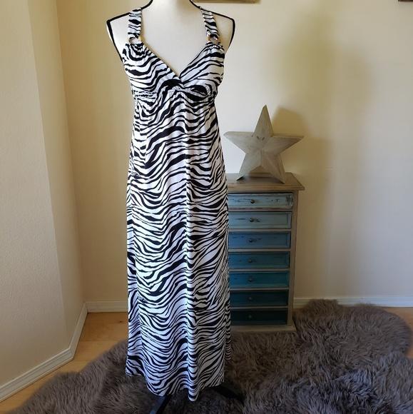 HeartSoul Dresses & Skirts - Beautiful maxi dress